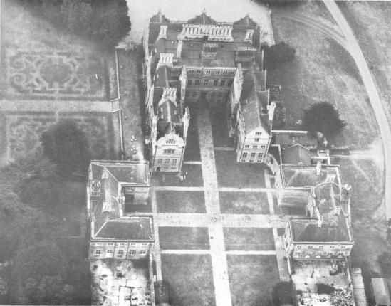 /uploads/image/historical/Aerial view of Hall.jpg